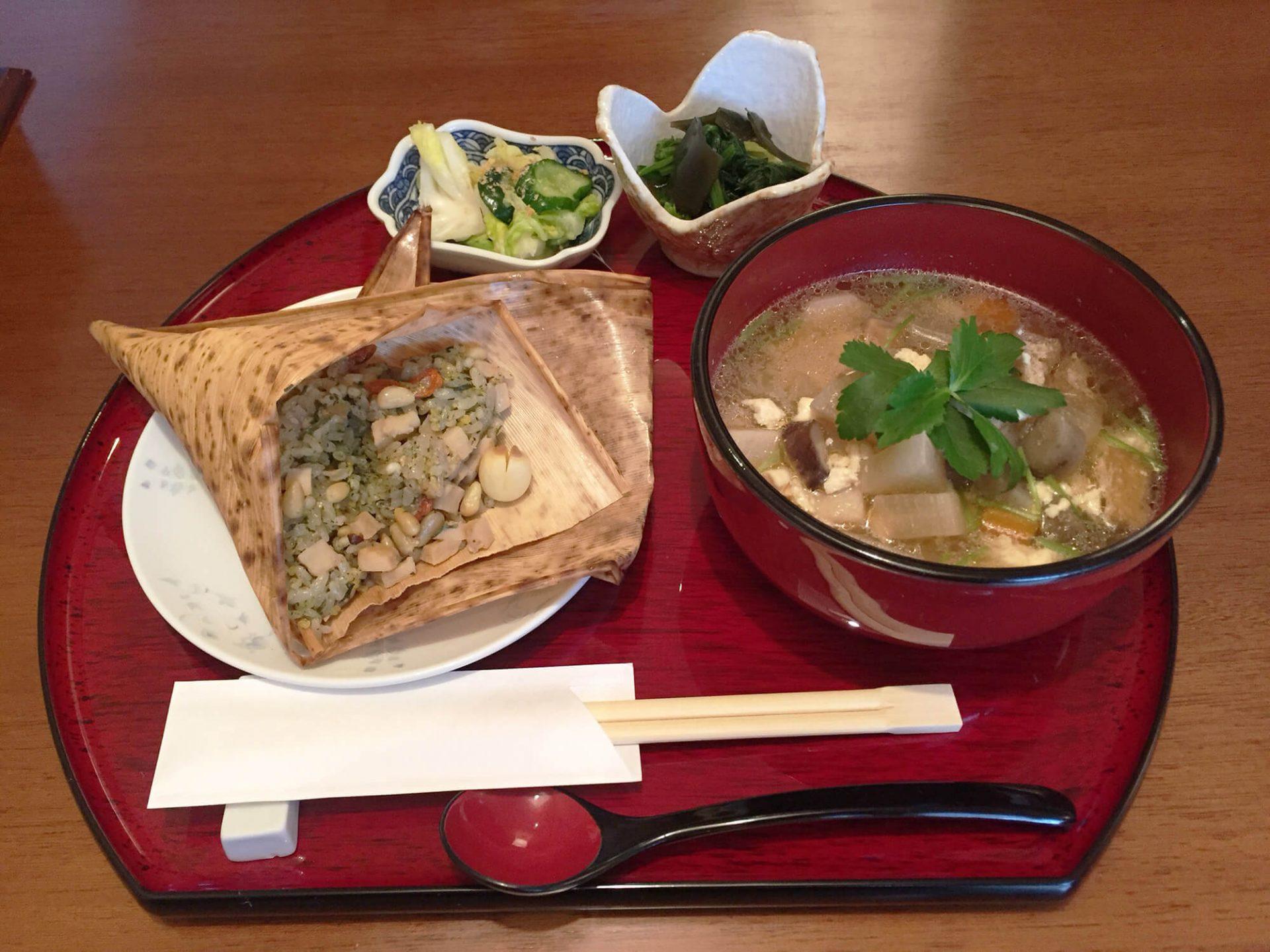 Shinshin Tei Eating Buddhist Food In Kakuozan Kawaii Aichi