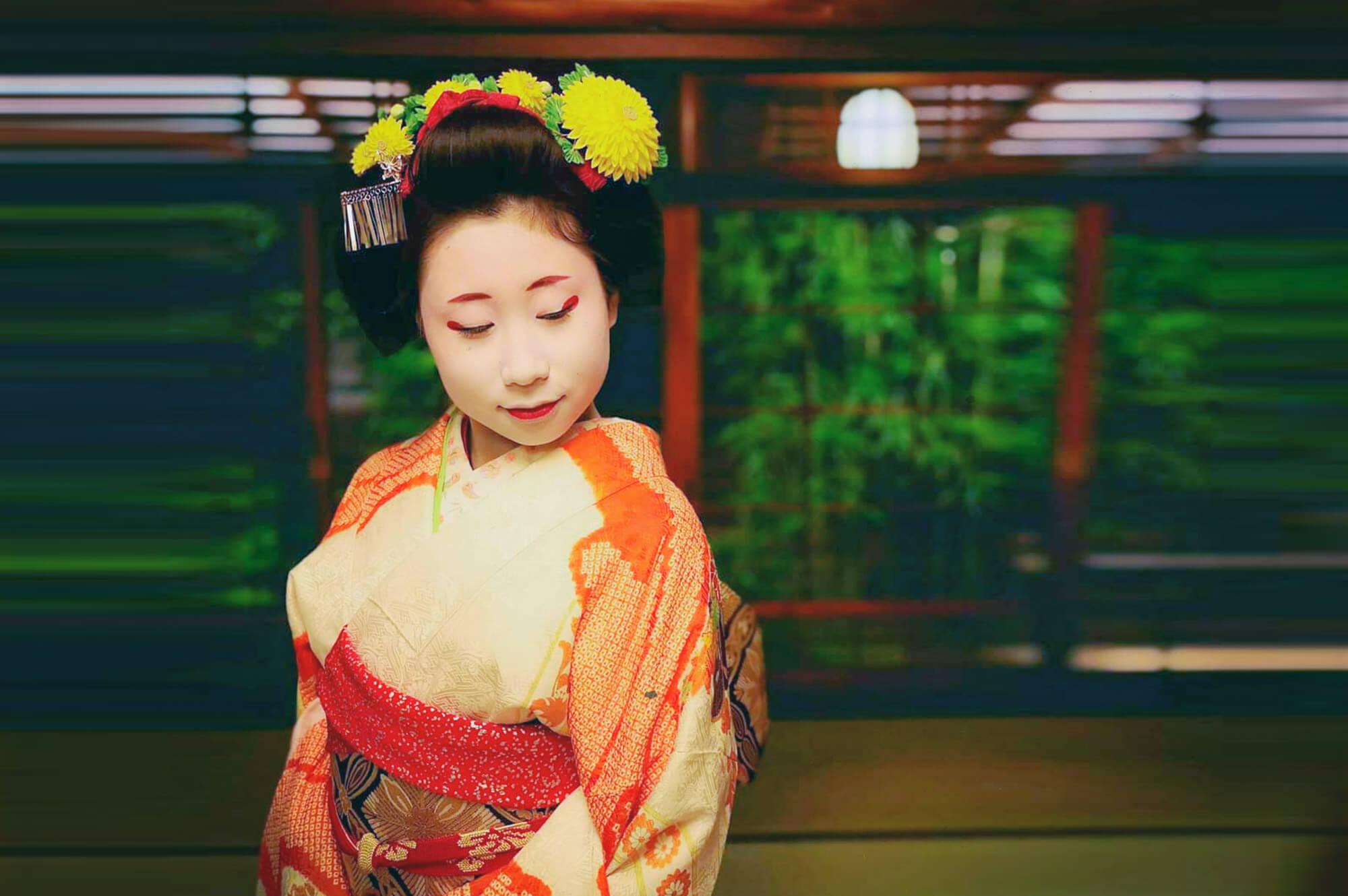 Makoto chan maiko from Meigiren